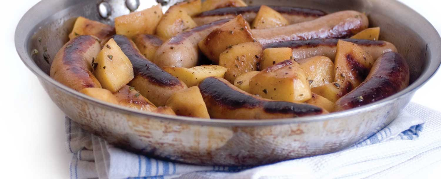 Pan grilled sausage with apples and onions