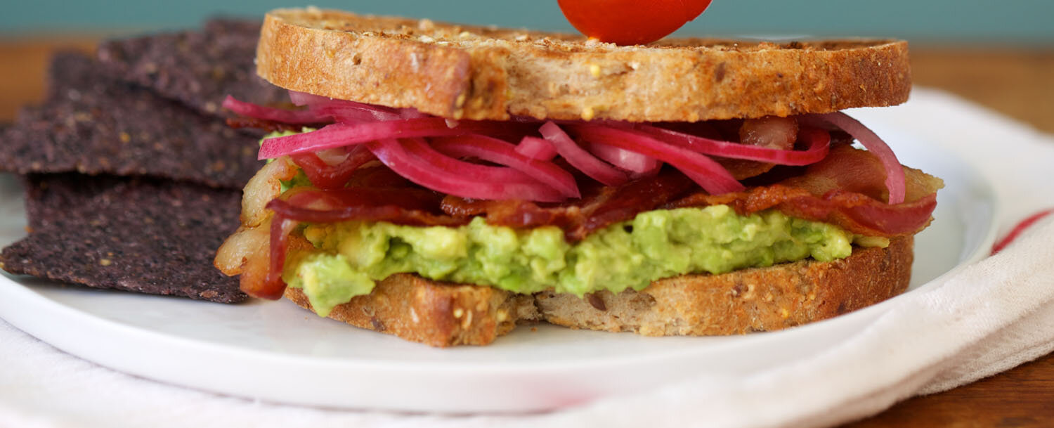 Bacon%20and%20avocado%20sandwich%20with%20pickled%20onions