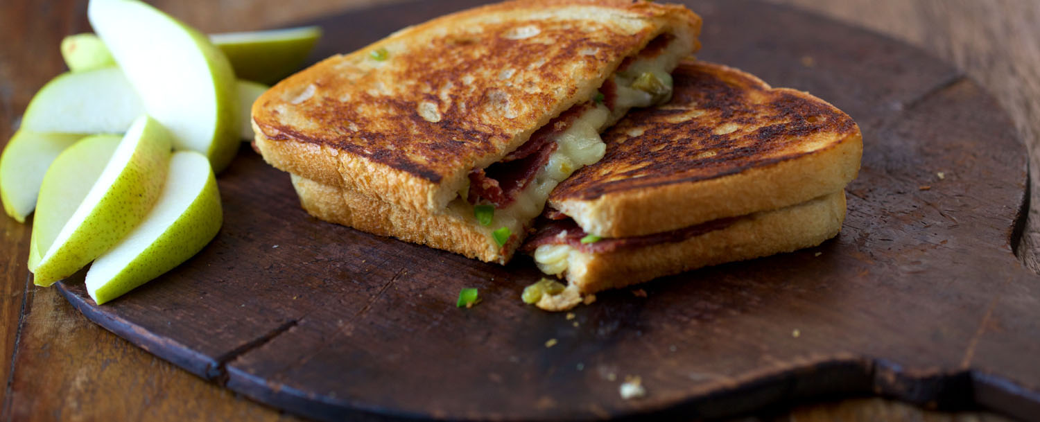 Triple%20jalape%c3%b1o%20grilled%20cheese%20with%20bacon