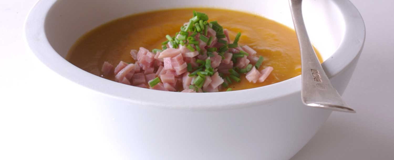 Healthy butternut squash with ham and chives